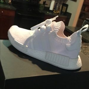 Details about ADIDAS NMD R1 TRIPLE WHITE PRIMEKNIT WOMENS SHOES CQ2040 NEW